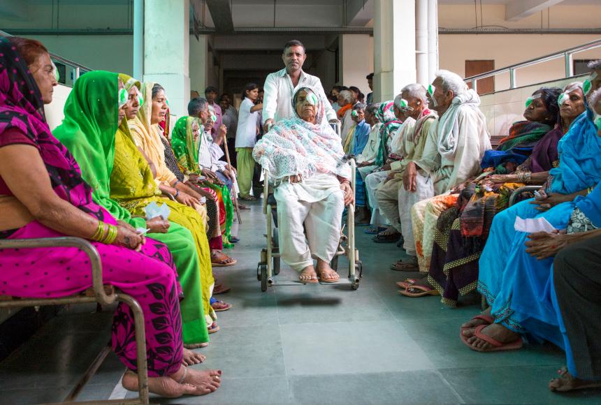 pazienti in un ospedale in nepal